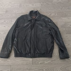 Beautiful genuine leather jacket by Danier 🌸🍀